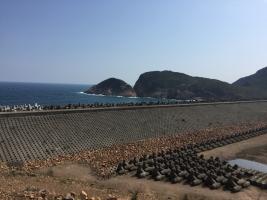 保護海岸的拋石護堤